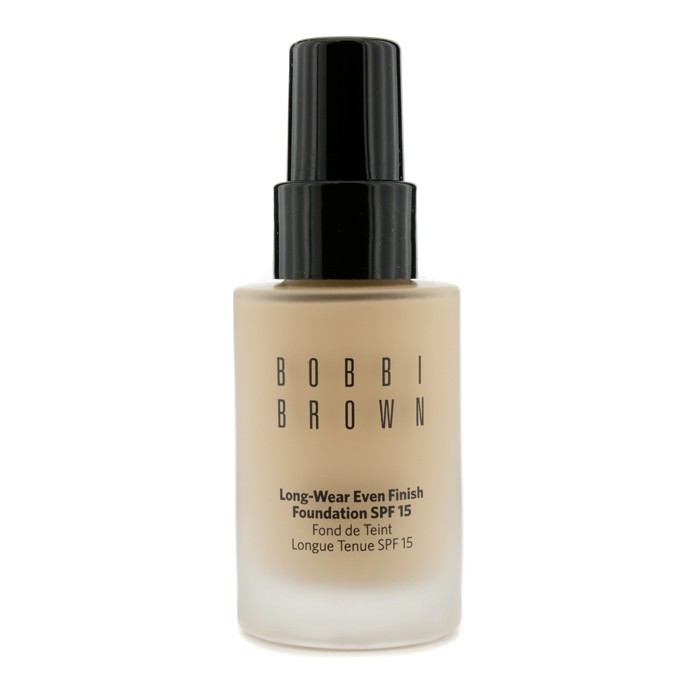 Discover makeup and skincare products on Bobbi Brown Cosmetics online.